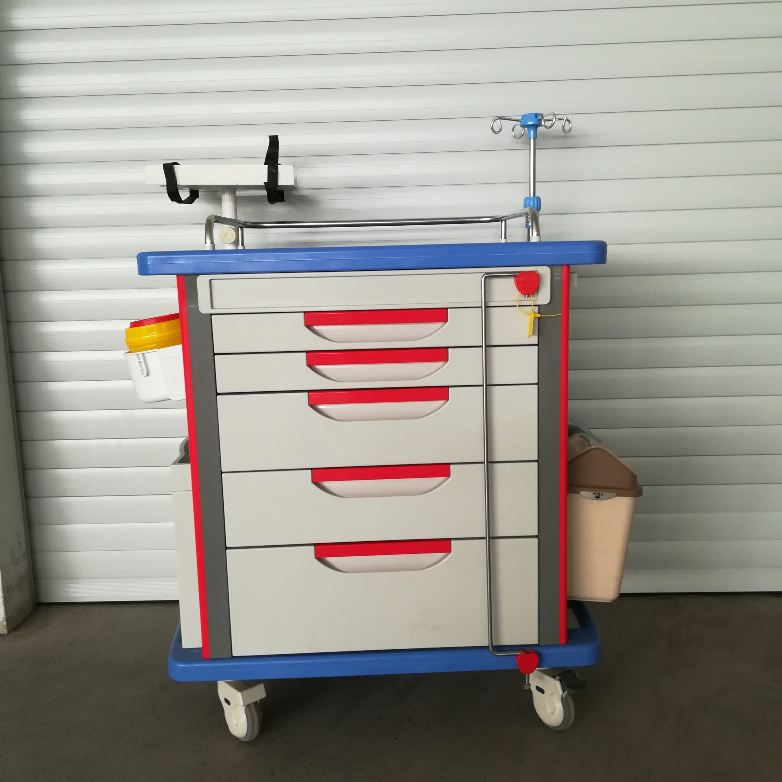 Lite Emergency Crash Cart with Accessories, IV Pole, Cardiac Board, O2 Holder, Power Strip with disposable lock